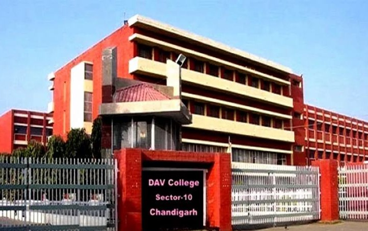 Fees Structure And Courses Of Dav College Chandigarh 2020