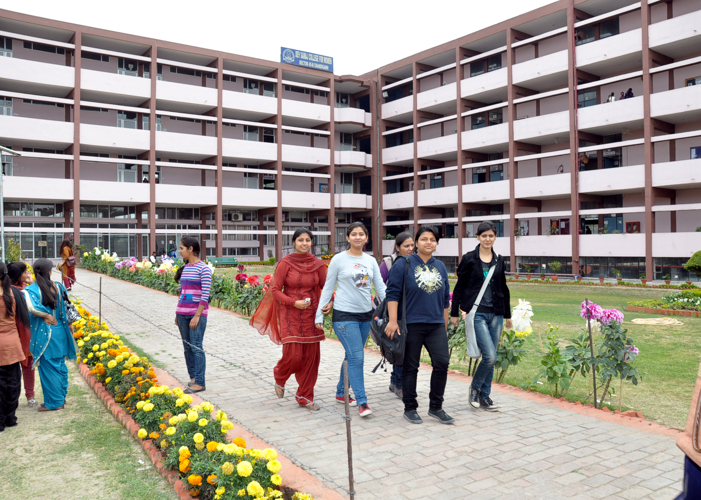 Fees Structure And Courses Of Dev Samaj College For Women Dscw Chandigarh 2020